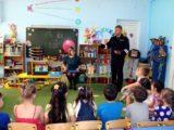 Воспитанники детского сада «Звездочка» самостоятельно изготавливают светоотражающие элементы