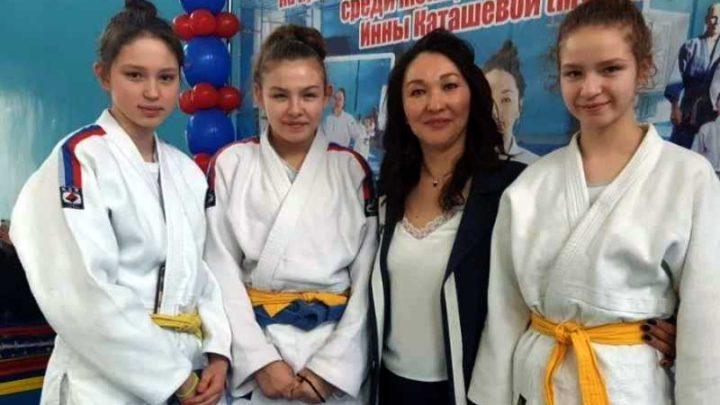 Мысковские дзюдоистки стали серебряными призерами турнира в Горно-Алтайске
