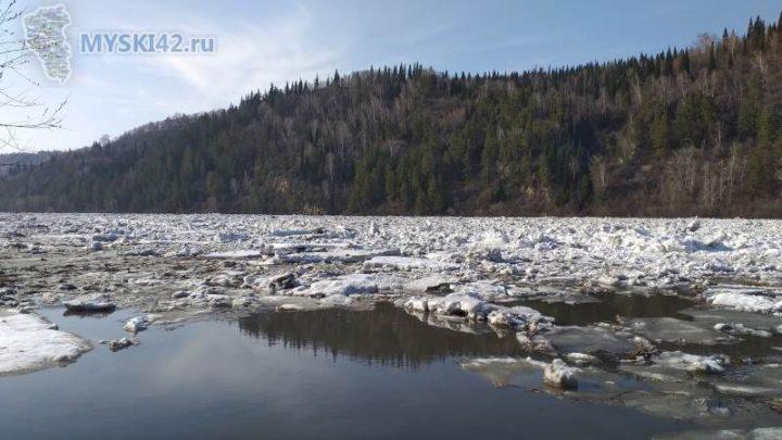 На реке Томь образовался затор