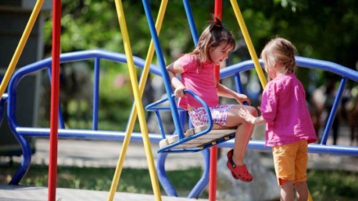 В Кузбассе вновь откроют детские площадки, кафе и рестораны возобновят обслуживание в помещениях