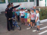В Мысках сотрудники ГИБДД провели урок в детском саду